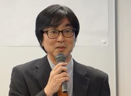ご講演される野沢慎司先生